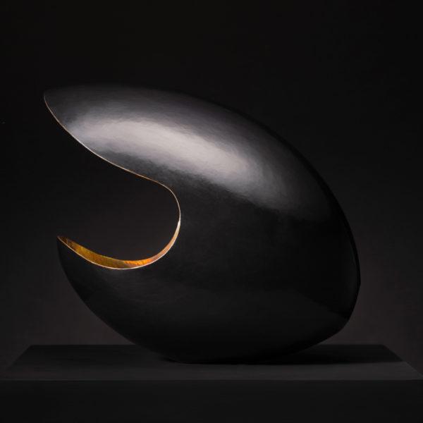 Œuvre d'art en cuir martelé signée Jonathan Soulié, lauréat du concours Atelier d'art de France 2020 région Occitanie