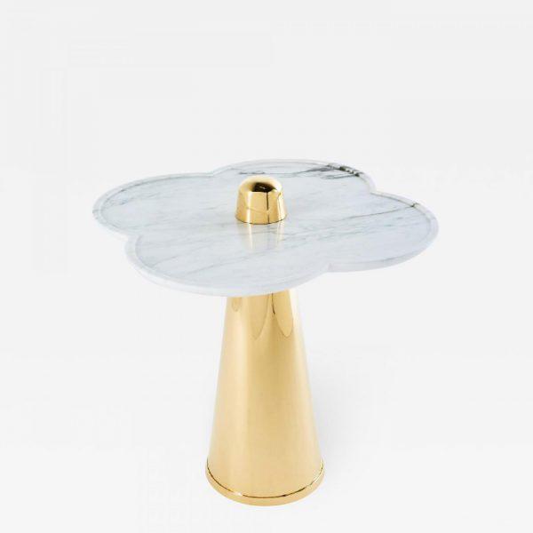 Table d'appoint en marbre et laiton poli signée Aurelia Bire, designer de meubles et objets d'exception
