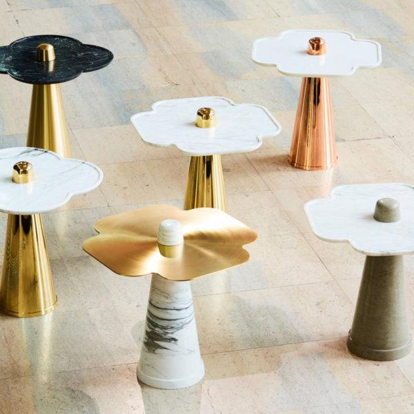 Table d'appoint en marbre et laiton signée Aurelia Bire, designer de meubles et objets d'exception