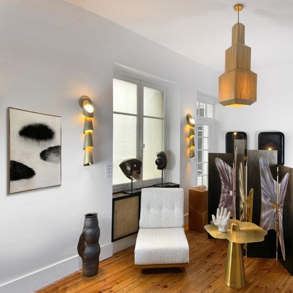 Paire d'appliques haut de gamme en laiton poli et sablé, signées Antoine Vignault, artiste designer à Toulouse